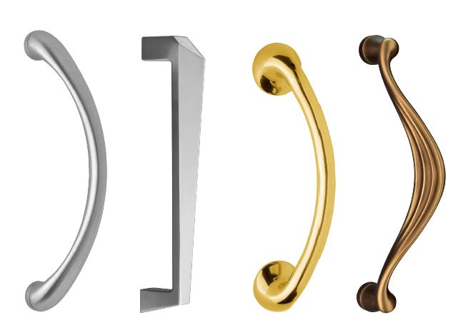 Diverse deurgrepen van Mandelli in verschillende finishes en vormen