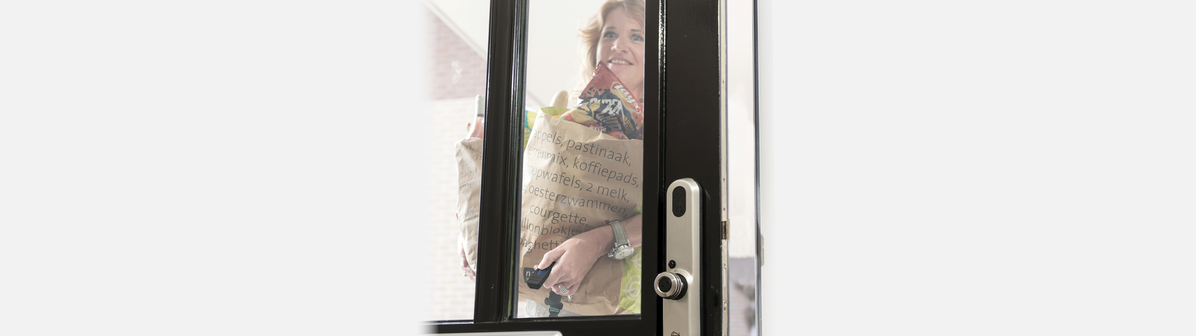 De Invited Smart Lock is mooi én praktisch op de voordeur